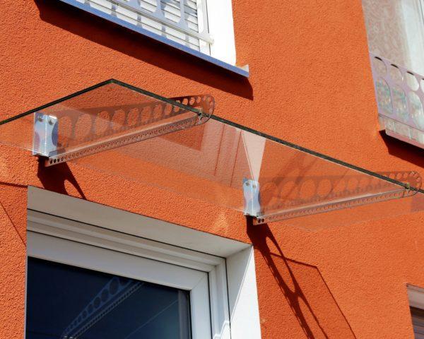 Haustür-Vordach aus Glas (Glass canopy front door)